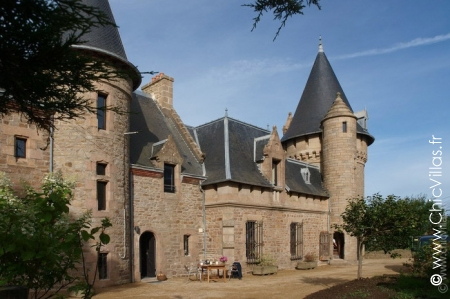 chic-villas-castel-marmousets-castle-rental-m1