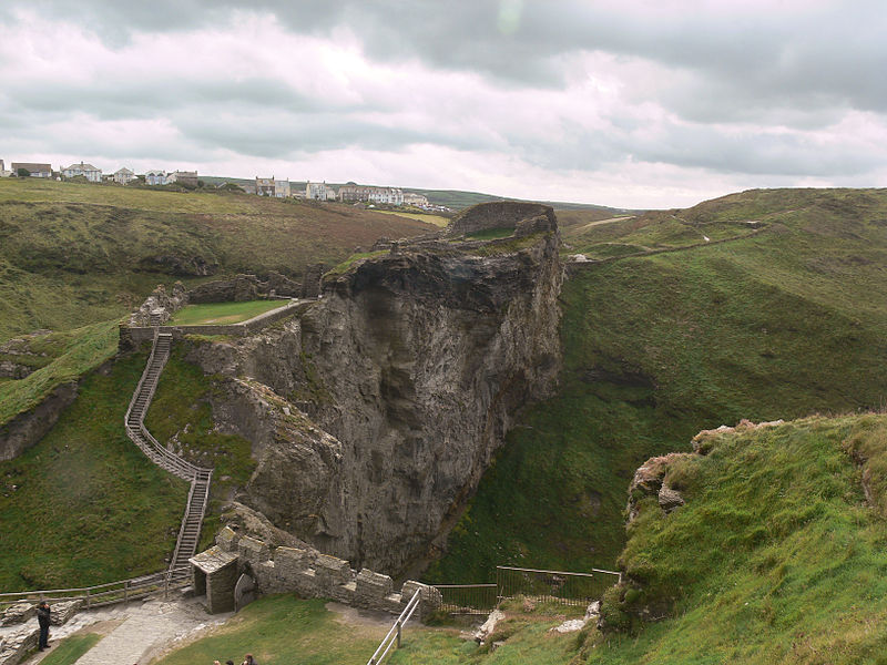 tintagel upper courtyard